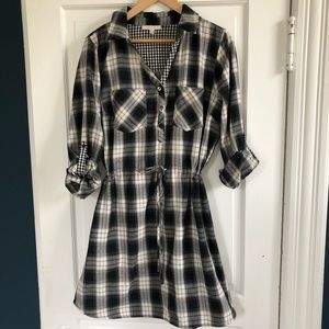 Skies are Blue Black/White Plaid Dress in Size Lg